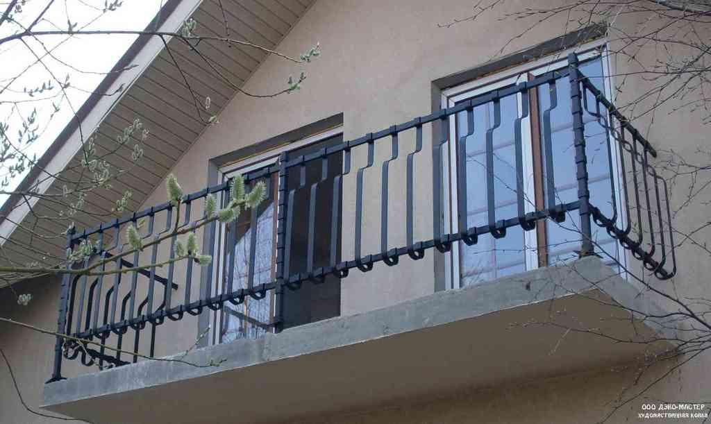 Кованые ограждения эконом для балконов купить.